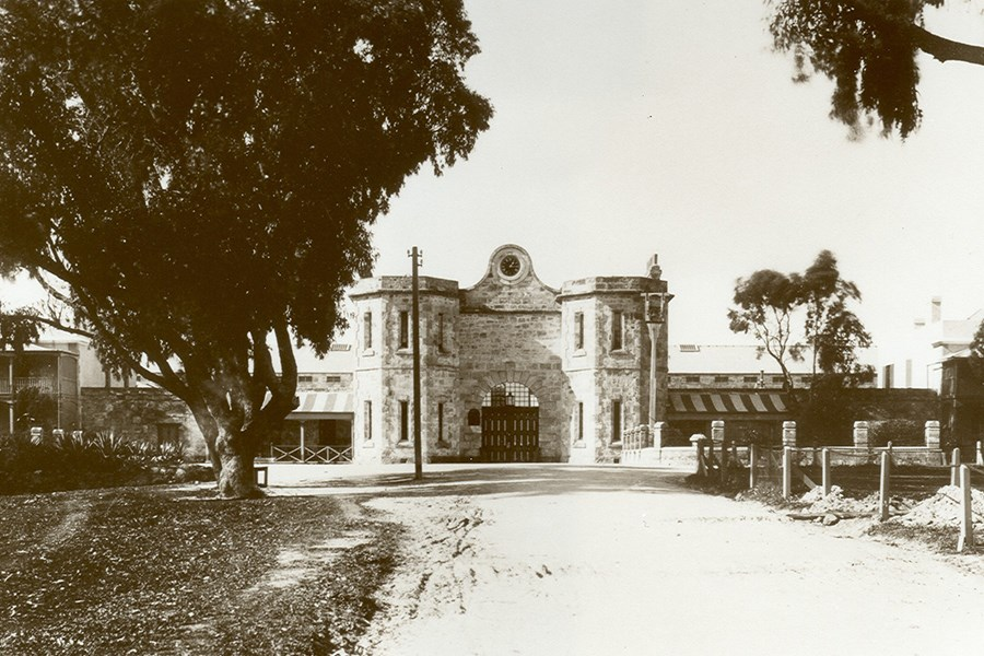 Old Prison_Gatehouse_c1900.jpg