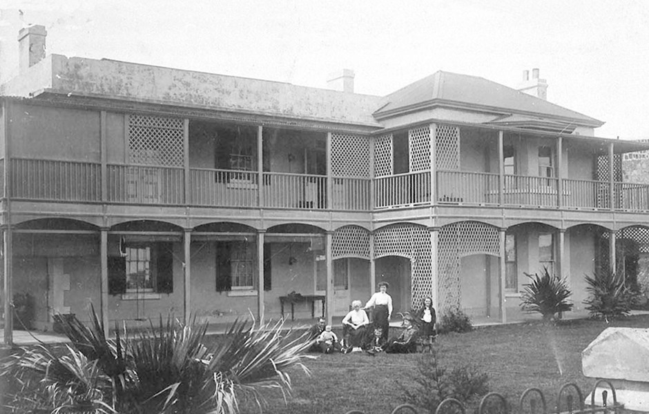 1911  Surgeon's House. Doctor Williams and family. Courtesy of Local History Collection, Fremantle City Library
